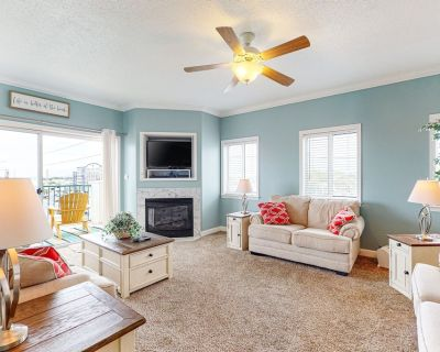 Avalon Condo w/ Shared Pool & Hot Tub, Private W/D, Free WiFi, and Central A/C - North Ocean City