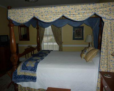 Colonial Capital Bed & Breakfast - Williamsburg