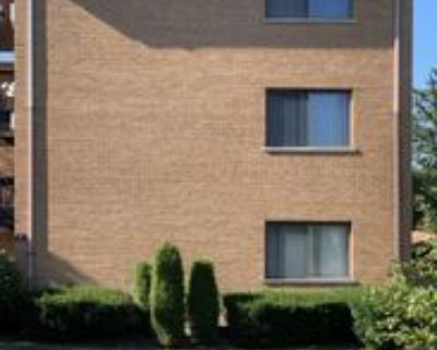 42 E 58th St #3S, Westmont, IL 60559 2 Bedroom Apartment