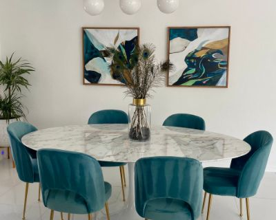 Newly Renovated Glam 70s Home with Stellar Views in the Movie Colony, Palm Springs, CA