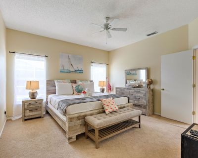 2 Suites, 1 King, 5 beds: Pool. Games Room #810 - Four Corners