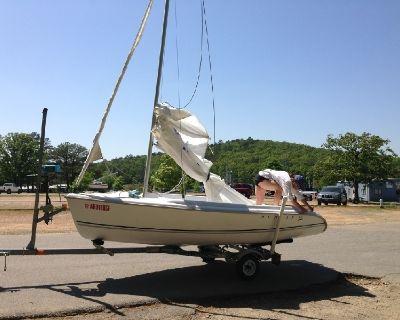 Hunter 146 sailboat