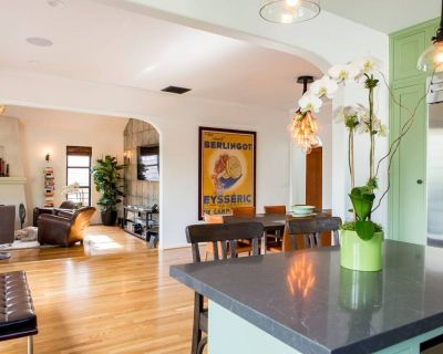 Relax in a Luxury Private Home & Private Outside Oasis in Miracle Mile - Mid-Wilshire