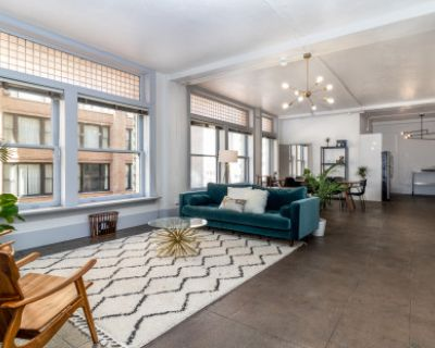Large Bright Downtown Loft With 3 Rooms and Projector, Los Angeles, CA