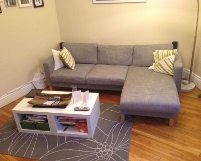Can Be Furnished. 1 Bed Split Style Apartment O...