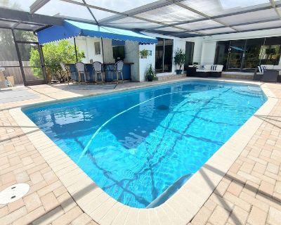 August Price Drop-2/2 Beach Retreat with Private Pool, 5 min to beach, Sleeps 6 - Bradenton