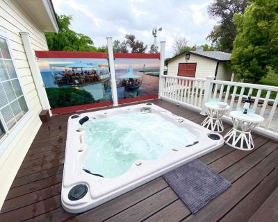 20% OFF AUG! Stunning Home w/ Spa in Wine Country + Perfect for Couples - Temecula