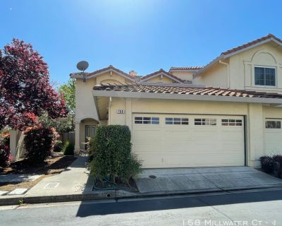 Townhouse Rental - 158 Millwater Ct