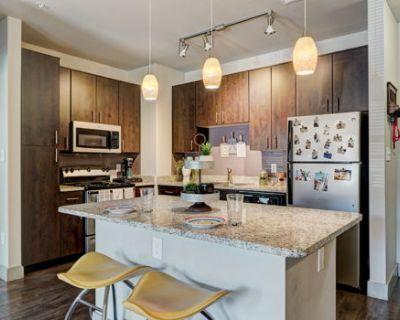 4bed 4bath Millennium apartment