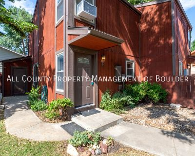 Sweet Townhome Minutes From Old Town!