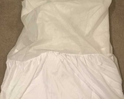 Twin white bedskirt
