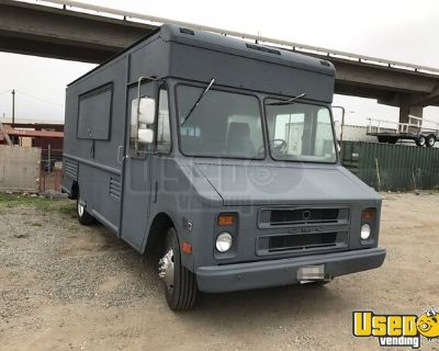Fully-Equipped GMC Step Van Kitchen Food Truck / Used Mobile Kitchen