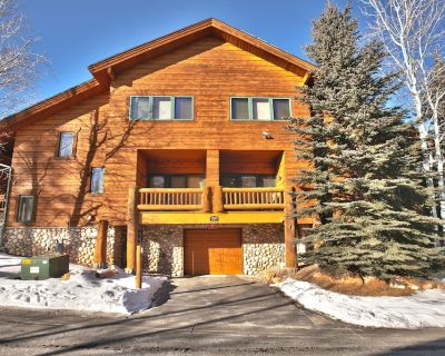 Two Hot Tubs! Pet Friendly! Walk To Canyons Cabriolet! 5% discount - Park City