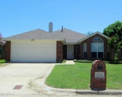 4704 Birchbend Ln, Fort Worth, TX 76137 3 Bedroom House