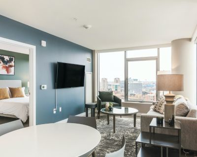 Rent The Iroquois Club Apartments #2332 in Chicago
