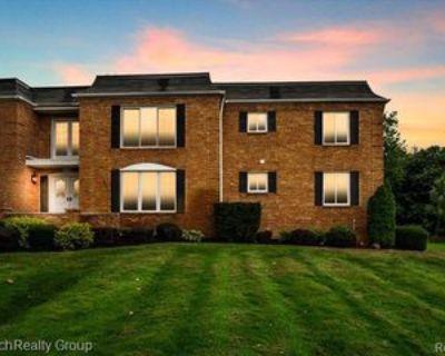 1720 Tiverton Rd #22, Bloomfield Hills, MI 48304 2 Bedroom Condo