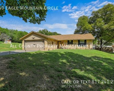 Vacation Rental located minutes from beautiful Eagle Mountain Lake