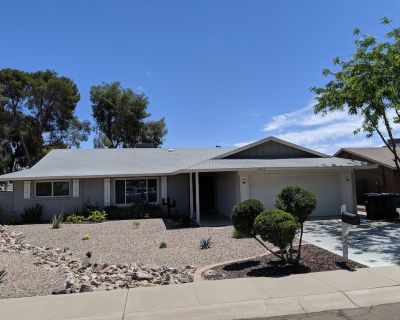 Heated Pool; On Golf Course; Near Spring Training, Great Hiking, Walk to Park - South Tempe