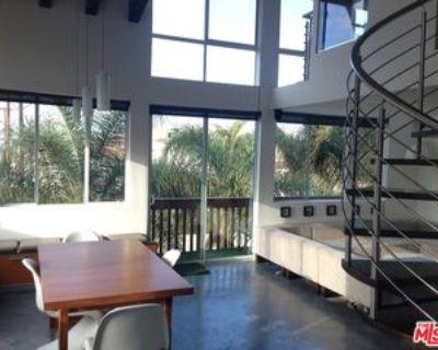 100 S Venice Blvd #9, Los Angeles, CA 90291 1 Bedroom Condo