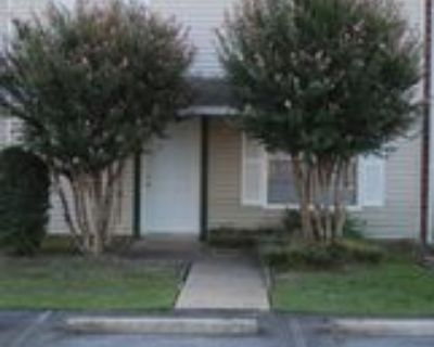 200 Pine Forest Dr, Maumelle, AR 72113 2 Bedroom Condo