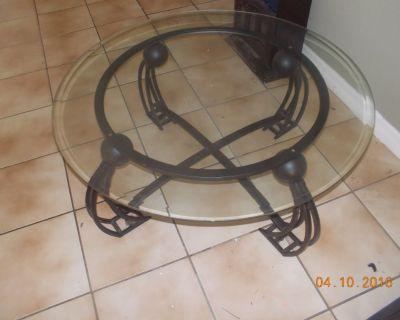 Iron/glass coffee table set