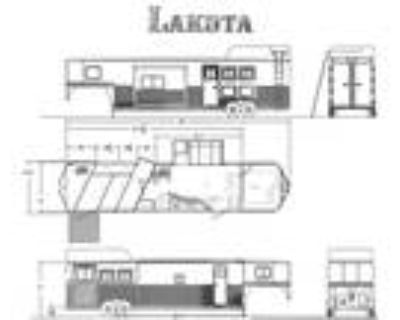 ON ORDER! 2021 Lakota 3 Horse Charger Edition Trailer with LQ