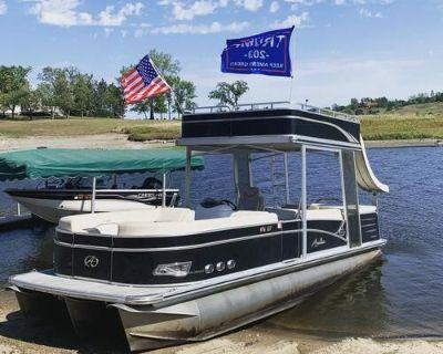 2014 Avalon Pontoon Boat 26 Windjammer Funship