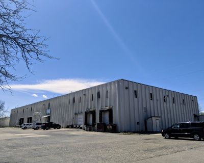PRICE REDUCTION: Heavy Power Industrial Space for Lease in Longmont