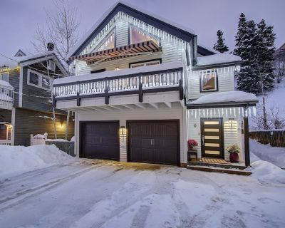 Totally Remodeled 4 Bd + Loft:Top of Main Street, Townhouse Sleeps 8 to 10 - Downtown Park City