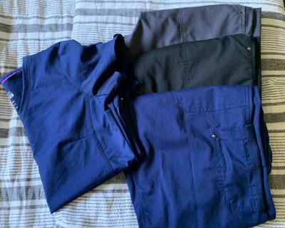 Lot of scrubs - Purple label - pants M and top S