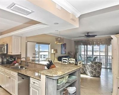 New Listing - 6th Floor Hibiscus Pointe Condo with panoramic views to the Gulf - South Island