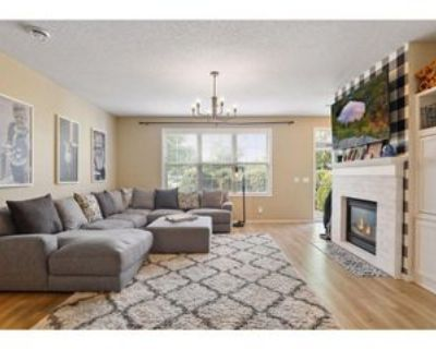 11015 Oakgrove Circle #B, Woodbury, MN 55129 3 Bedroom House
