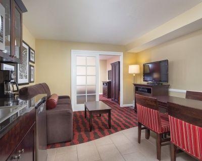 Wyndham Peacock Suites - Spacious 1 Bedroom - Anaheim Resort