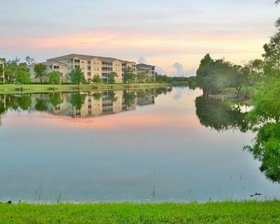 Stunning Golf Condo at very popular Legends Golf & Country Club - Fort Myers