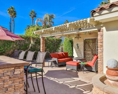 Work from home! Serenity in the Desert! Updated home in Desert Breezes w/ large private patio! - Indian Wells