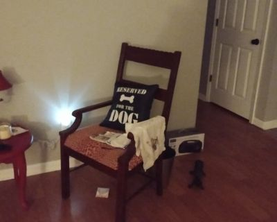 Private room with own bathroom - Jefferson City , MO 65101