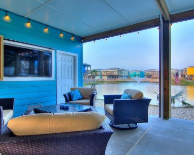 At Last: Private Pool, Free 6 Seat Cart, Fire Pit, Outdoor TV. 12 Guests - Port Aransas