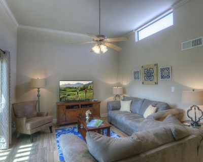 GORGEOUS New Remodel Golf Course View at Sunscape - 2bed/2bath - LUXURY RENTAL - South Scottsdale