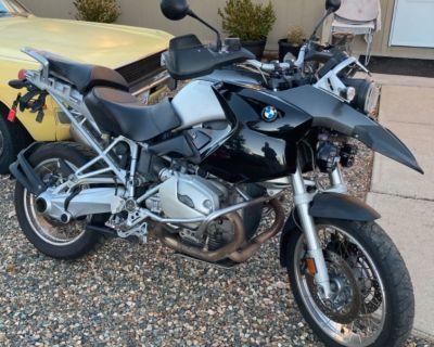 BMW R1200 gs Adventure Bike