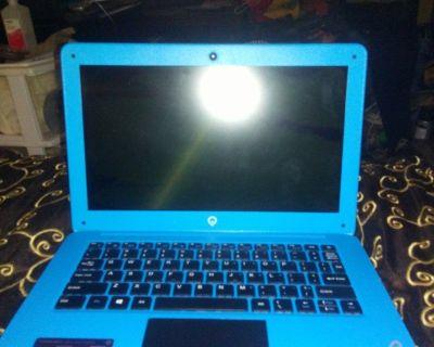 "Teqnio. 12.5 "" laptop -broken screen"