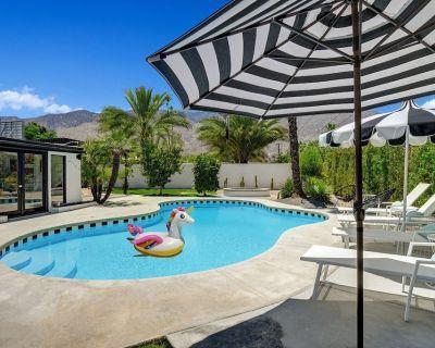 Ultra-Luxury Mid-century- Resort Style Pool, Spa, BBQ & Fire Pit & Mountain Views 4BD/2BATH - Palm Springs
