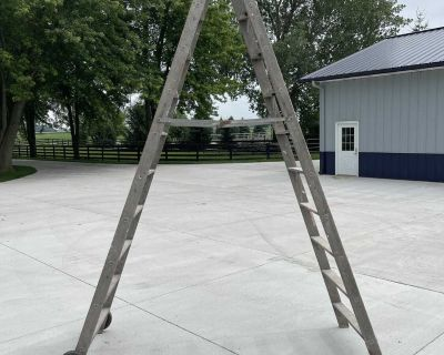 10 wood step ladder w wheels for easy moving!