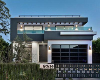Sleek Luxury Villa In Beverlywood, Los Angeles, CA