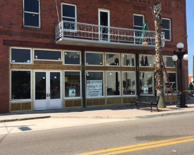 Retail space for lease on 7th avenue Ybor City