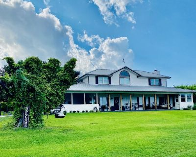 Experience Country Hillside Farmhouse With City Skyline View - Fort Worth