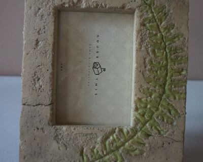 Stone Leaf Picture Frame