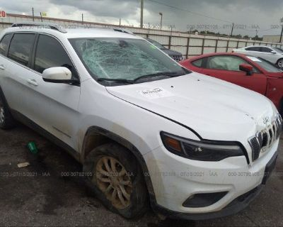 Salvage White 2019 Jeep Cherokee