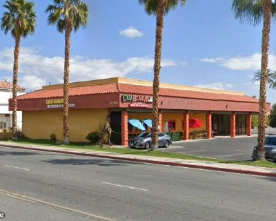 (2) Retail Spaces for Lease on Date Palm