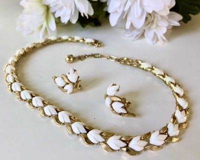 """50's Magnolia Leaf Chain Cluster """"16 Necklace & Earring Set"""