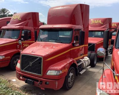 2007 Volvo VN VNM 4x2 S/A Day Cab Truck Tractor